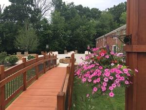Venues Bloomington - Creekside Retreat 3